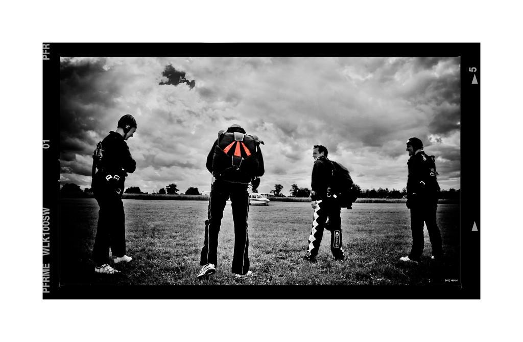 B&W group parachute low