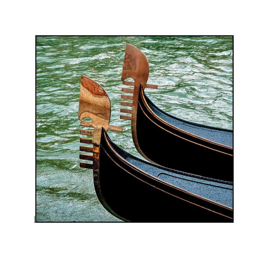 _dsf2703gondolas-in-the-rain-astia-optomized